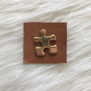 '80s / Puzzle Piece Pin